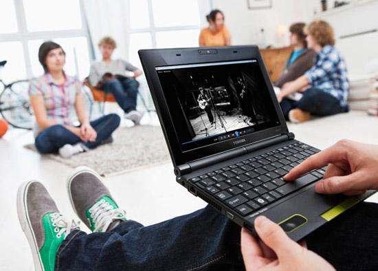 Видео и фото Toshiba NB520